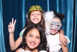 Imagen niñas Kids Party con fotomatón de Flash Flash Box